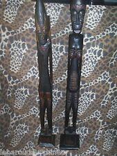 Deux grandes statues en bois indonésie?