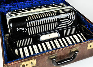 Vintage Castle Accordion 120 Bass 3 Reeds Italy Italian 1960s in Case Full Size