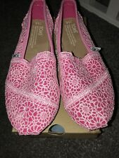 Girls Toms Shoes Size 2.5 Pink Crochet New