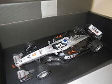 """Minichamps  Formel 1 McLaren Mercedes  MP 4/16  Mika Hakkinen  """"2001""""  1:18 OVP"""