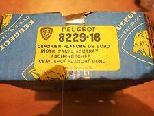 Peugeot 204 Ashtray - Cendrier - 822916