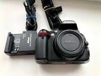 Nikon D3000 10.2MP Digital SLR Camera Body Very low shutter count.