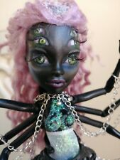 Monster High Muñeco Wydowna OOAK Custom único de redibujo Chica Araña Art