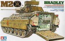 KIT TAMIYA 1:35 CARRO ARMATO U.S. M2 BRADLEY INFANTRY FIGHTING VEHICLE  35132