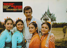 JAMES BOND MAN WITH THE GOLDEN GUN ROGER MOORE CANDID WITH GIRLS  GERMAN LOBBY