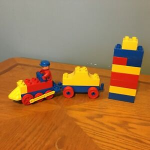 LEGO DUPLO Train Steam Engine VGUC with 1 Car Chassis Driver Extra Blocks
