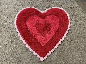"Valentine's Day Crochet Red & Pink Heart Shaped Bathroom Bath Rug 22x22"" Cotton"