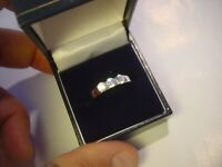 BEAUTIFUL SOLID SILVER RING-SUPERB TRILOGY DESIGN HIGH GRADED CUBICS-SIZE M