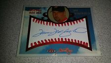 04 FLEER SWEET SIGS AUTOGRAPHED SIGNED TIM WAKEFIELD CARD #D 99/150 RED SOX WS