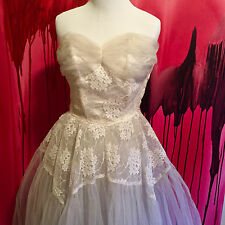 Wedding Dress, Vintage 1950s Chantilly Tulle Lace Strapless Wedding Gown Bolero