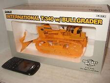 """Nuevo Ertl internacional T-340 con """"bullgrader"""" Diecast modelo en escala 1:16 grandes"""