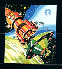 N.557-Vietnam-Block IMPERF Space complex 1988