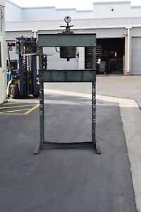 Dake 50 ton hydraulic press