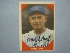 WAITE  HOYT  Hall  of  Fame/Tigers  Signed  1960  Fleer Card  (Died in 1984)