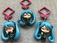 "Vocaloid 2"" Hatsune Miko Thinking-Peace Sign- Heart Eyes Hanger 3 Figures Keycha"