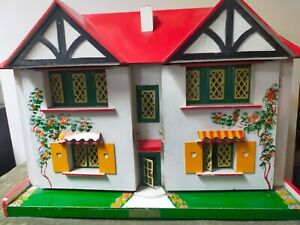 Vintage Geebee Tudor style doll's house - 1950's