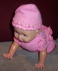Fisher price Little Mommy Babbling Crawling Baby Doll 2008 NTLC