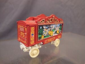 HO SCALE VINTAGE KIT BUILT RED CIRCUS WAGON BC036