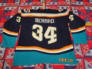 Vtg 1996 -97 BERARO Ny ISLANDERS NHL hockey fight strap sports fan jersey L