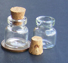 1:12 Scale 2 Glass Storage Jars With Cork Stoppers Dolls House Accessory G25o