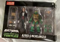 Batman vs Teenage Mutant Ninja Turtles TMNT Alfred & Michelangelo DC Collectible