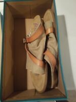Pre-Owned - Malibu Barria Desert Sand Slip On Sandals Shoes Womens Size 9