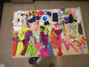Lot of Vintage  Clothes  BARBIE doll and accessories