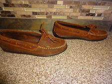 Womens Sz 8 MINNETONKA MOCCASINS Brown Leather Mocs Shoes Fringes Rubber Soles