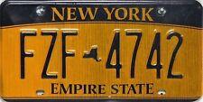 New York  License Plate, original Nummernschilder mit starken Gebrauchsspuren.