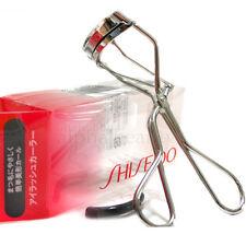 Shiseido Japan Eyelash Curler Regular Size #213 + 1 extra rubber replacement pad