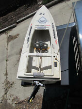 """Graupner Off Shore Speed Boat (For Parts As Is) 32"""" Long, 8"""" Width, 4 1/2 Thick"""