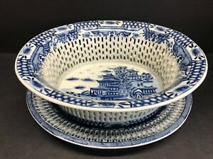VTG 19th Century Chinese Export Blue White Porcelain Chestnut Basket & Flat Set