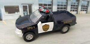 Maisto Ford F Series Springfield Police Pick-Up Truck 1:43 Bomb Squad Wind-up