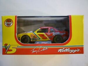 Revell Terry Labonte 1:64 Scale Kellogg's #5 Chevrolet Die Cast Car 1997 #3243