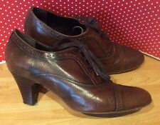 UK 4.5 EU 38 Vintage Clarks brown Victorian Granny Witch lace up brogue shoes