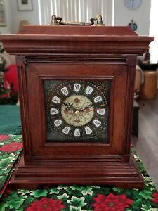 Wooden Mantel/Desk Clock