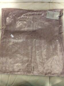 West Elm Lush Velvet Pillow Cover NWT! 20x20 Dusty Blush Pink