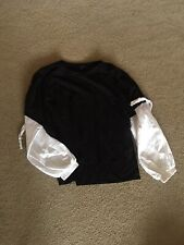 Black And White Korean Style Bubble Sleeve Top 7. State Size Medium