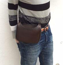 NUOVISSIMA borsa modello cartuccia in pelle con passante della cintura montato loopbag facile accesso.