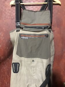 SIMMS G3  STOCKINGFOOT CHEST FISHING WADERS. SIZE XL. GORE-TEX. USA