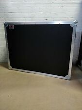Allen & Heath QU32 MIXER Flight Case con dogbox-EX DEMO