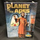 Planet of the Apes DR Zira Model Playing Mantis Aurora 2000