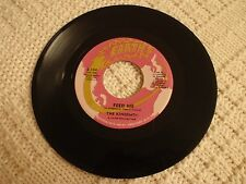 THE KINGSMEN FEED ME/JUST A B SIDE  EARTH  104