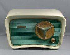 Vintage Mid Century 1950s Jet Age Bakelite Trav-ler T202 Tube Radio