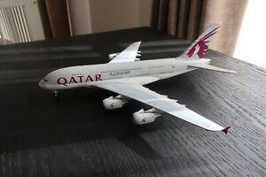 RARE - Qatar Airways A380-800 1:200 - A7-APA - Gemini 200