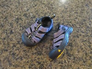 KEEN Newport H2 toddler 4 Sandals Athletic Purple Girls canvas closed toe