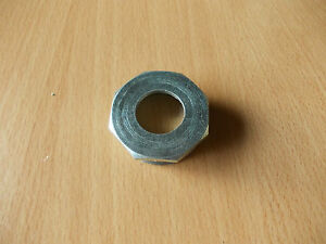 Bottom bracket right hand fixed cup 24TPI