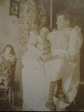 ANTIQUE MOTHER'S LOVE DOLLS SICK GIRL EARLY DEATH? TOUCHING ARTISTIC TLC PHOTO