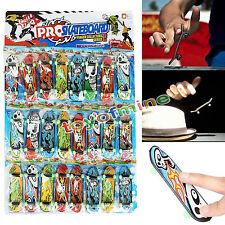 1 juego de Mini Finger Skateboard Deck Diapasones Luminous Bearing Wheel