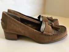 Bandolino Tan Suede Loafer w/ Tassel Detail - Size 8.5M